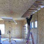 Montage Plafond panneau sips www.panneauxmaisonossaturebois.com (4)
