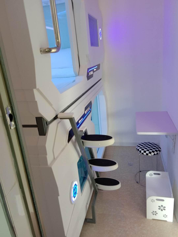 Chambre spatiale container intérieur (6)